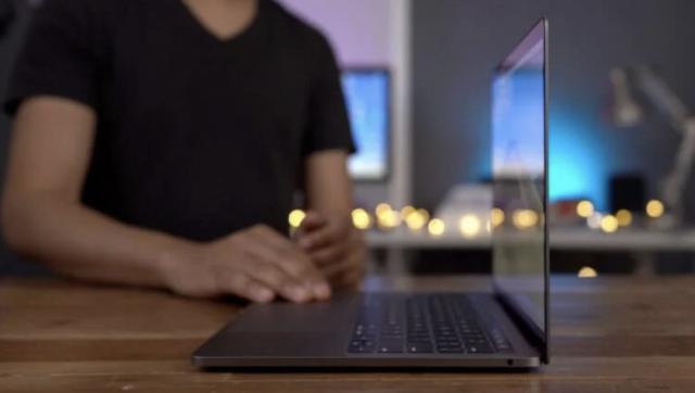 Apple расширила программу ремонта MacBook Pro с проблемными дисплеями